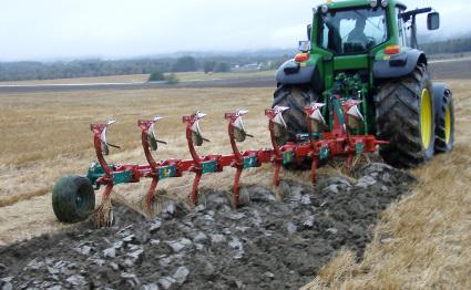 Les plantes de couverture le labour profond syst matique - Labourer la terre ...